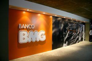 logo Banco BMG parede