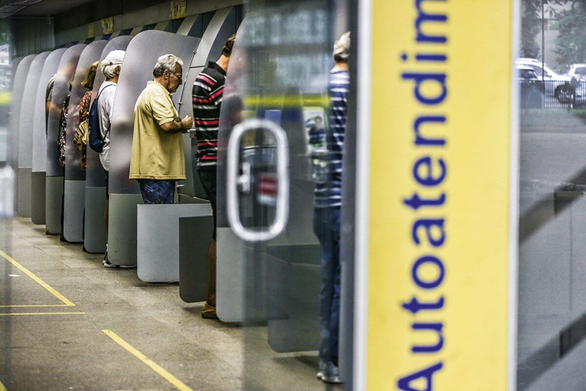 Bancos cortam juros após redução da Selic, foto de Marcelo Camargo - Agência Brasil