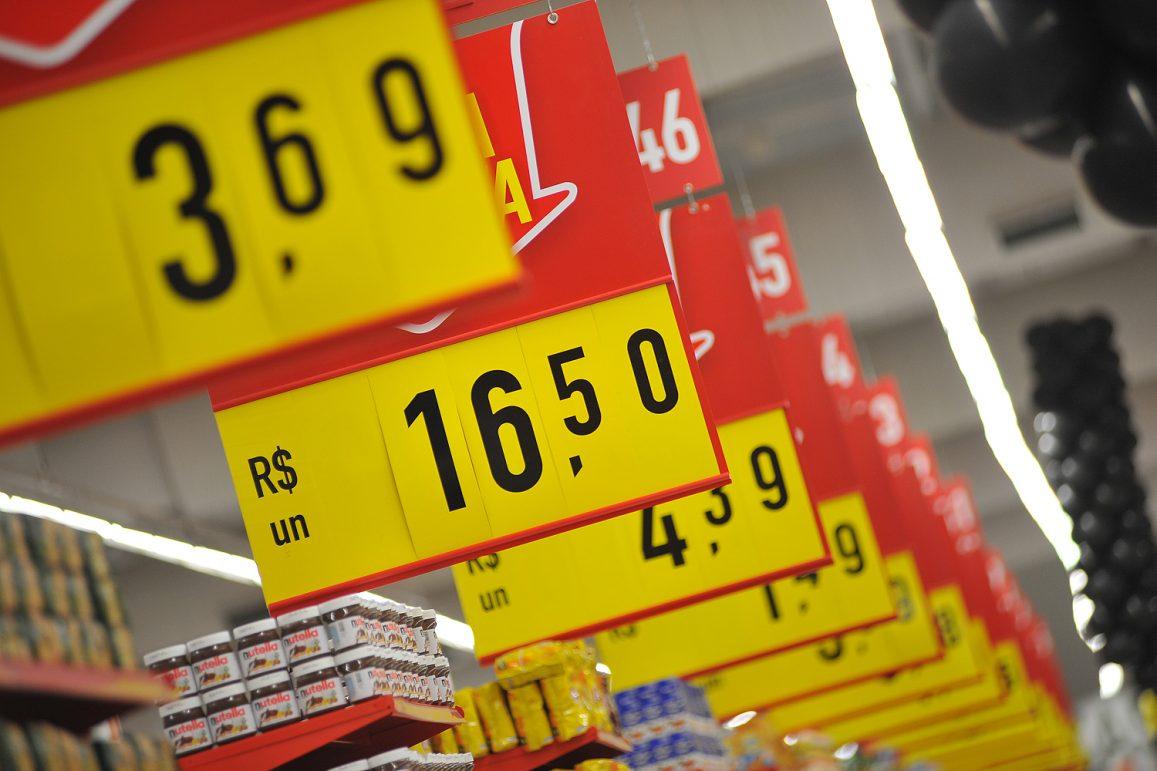 Prévia da inflação medida pelo IPCA-15 sobe 0,45% em setembro, informa IBGE