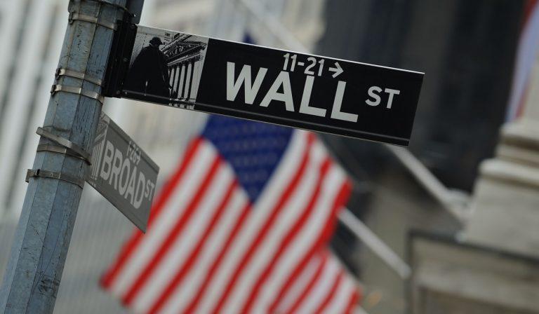 Wall Street - foto de Unsplash
