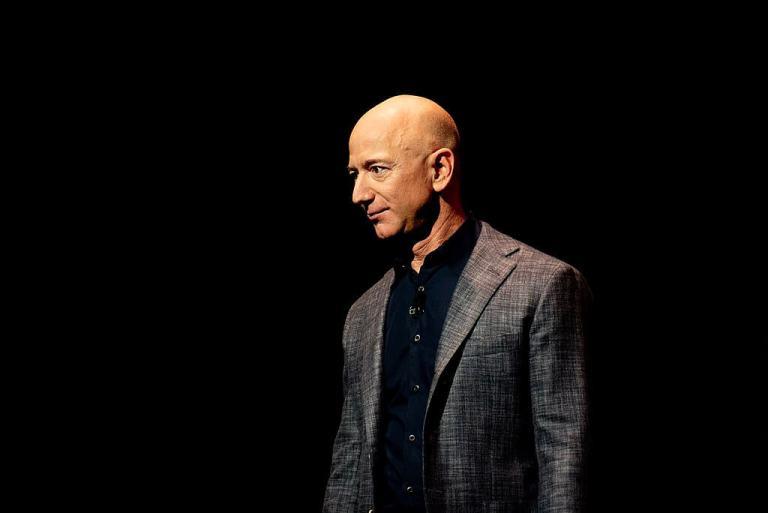 Jeff Bezos Unveils Blue Origin Lunar Lander