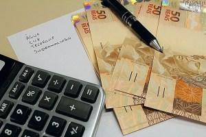 calculadora dinheiro fotos publicas